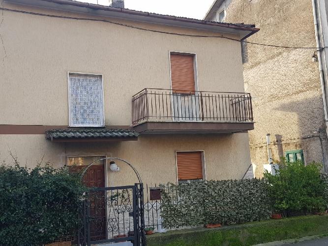 https://www.progettocasa1.it/immagini_immobili/11-01-2019/soluzione-indipendente-vendita-colleferro-roma-via-giuseppe-di-vittorio-116-564.jpg