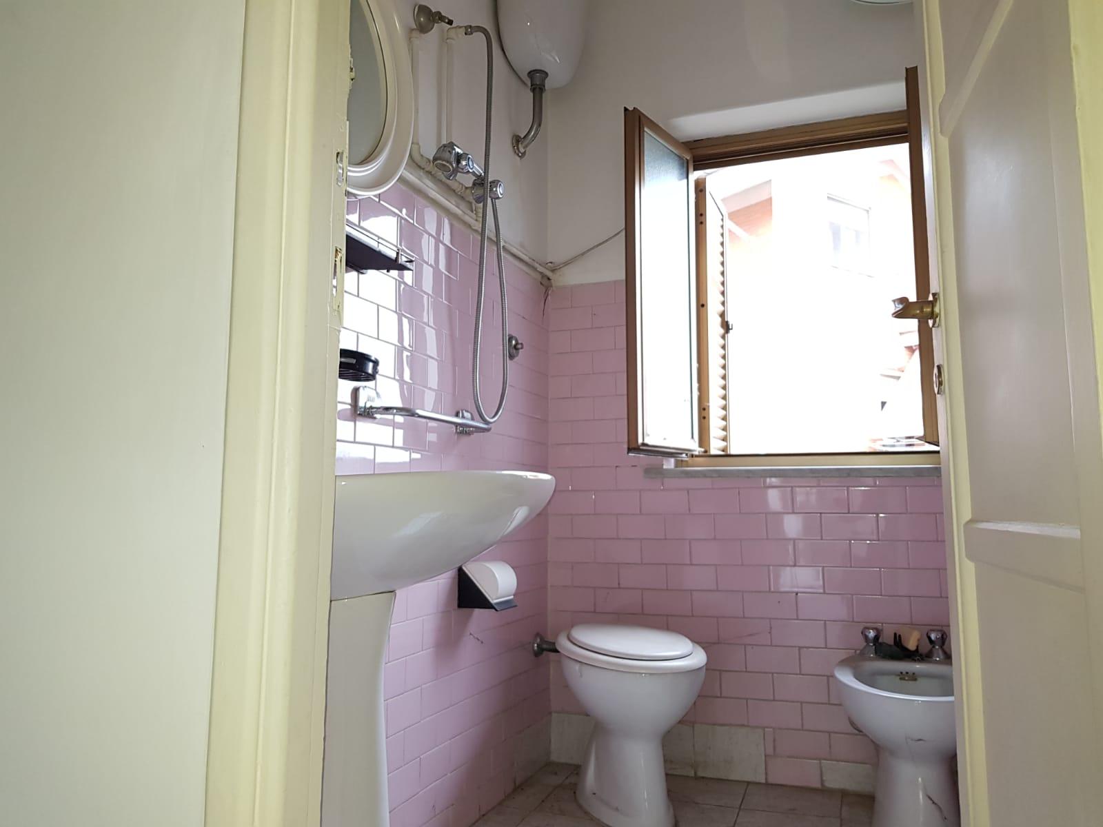https://www.progettocasa1.it/immagini_immobili/11-02-2019/appartamento-vendita-colleferro-roma-via-verdi-6-137.jpg