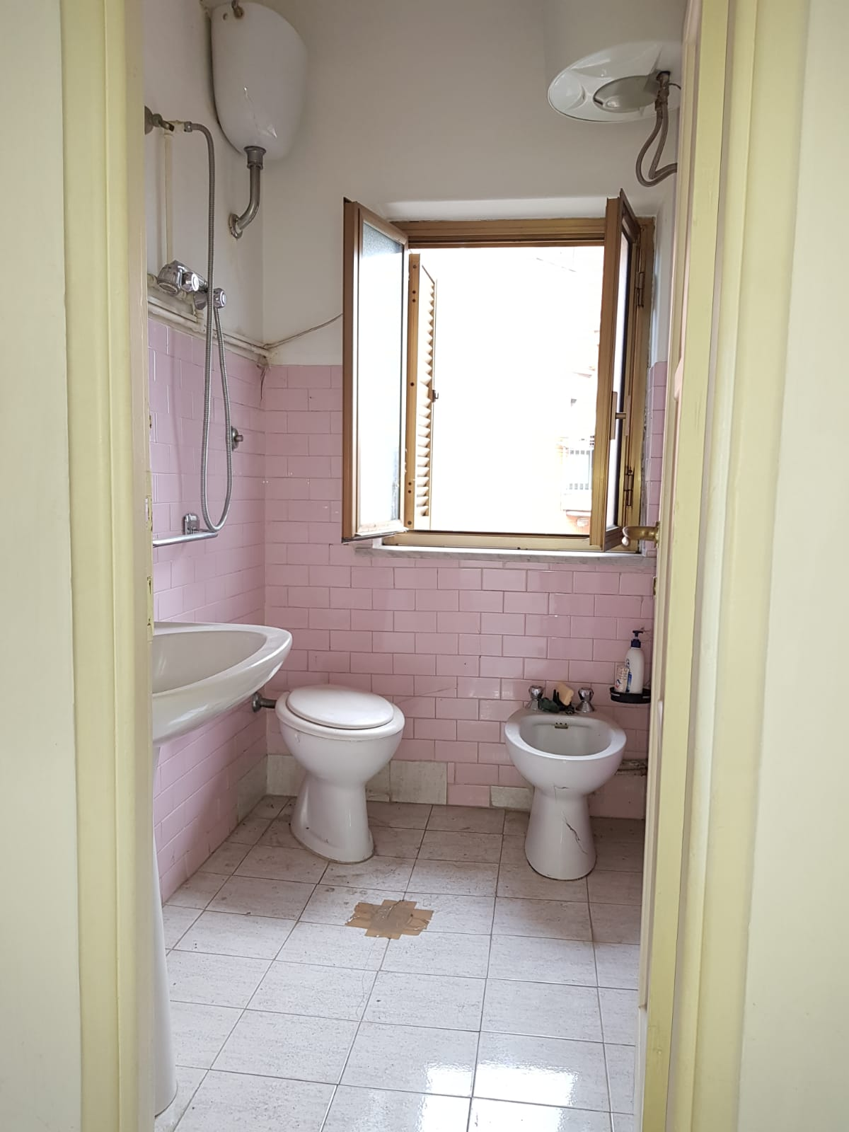https://www.progettocasa1.it/immagini_immobili/11-02-2019/appartamento-vendita-colleferro-roma-via-verdi-6-272.jpg