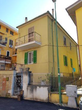 https://www.progettocasa1.it/immagini_immobili/11-03-2020/appartamento-vendita-colleferro-roma-via-della-selva-42-499.jpg