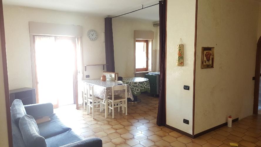 http://www.progettocasa1.it/immagini_immobili/11-09-2017/appartamento-vendita-colleferro-roma-via-francesco-berni42-816.jpg