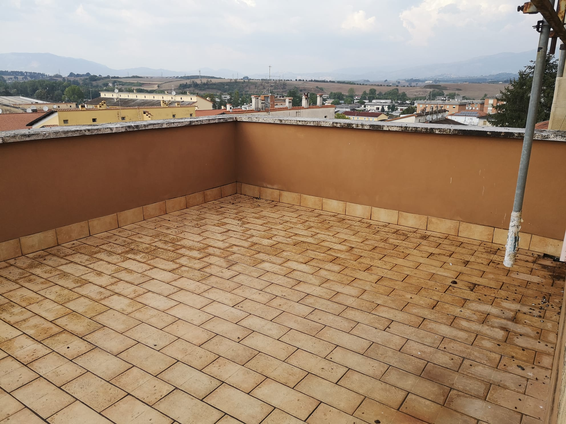 https://www.progettocasa1.it/immagini_immobili/11-09-2020/appartamento-vendita-colleferro-roma-via-pontinia10-847.jpg