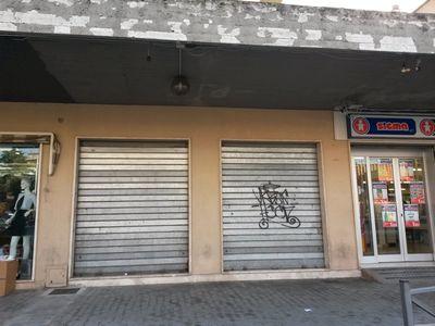 https://www.progettocasa1.it/immagini_immobili/12-04-2017/locale-commerciale-vendita-colleferro-roma-largo-xxv-aprile-21.jpg