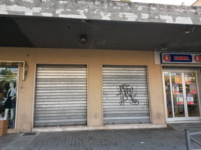 http://www.progettocasa1.it/immagini_immobili/12-04-2017/locale-commerciale-vendita-colleferro-roma-largo-xxv-aprile-90.jpg
