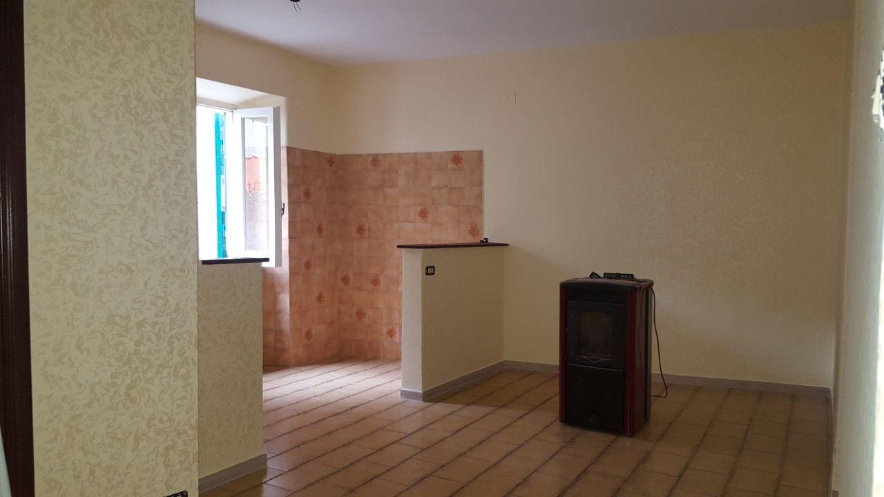 https://www.progettocasa1.it/immagini_immobili/12-05-2017/appartamento-vendita-segni-roma-via-tomassi-144.jpg