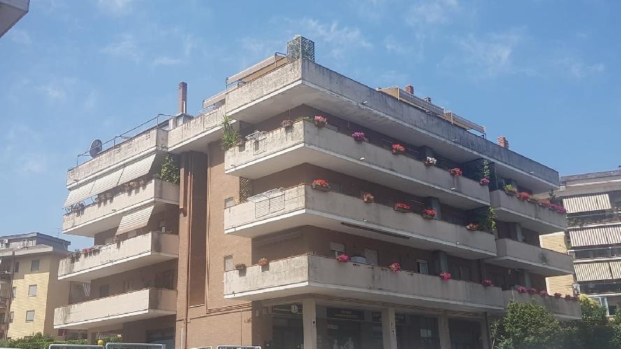 https://www.progettocasa1.it/immagini_immobili/12-07-2021/locale-commerciale-vendita-colleferro-roma-viale-america-795.jpg