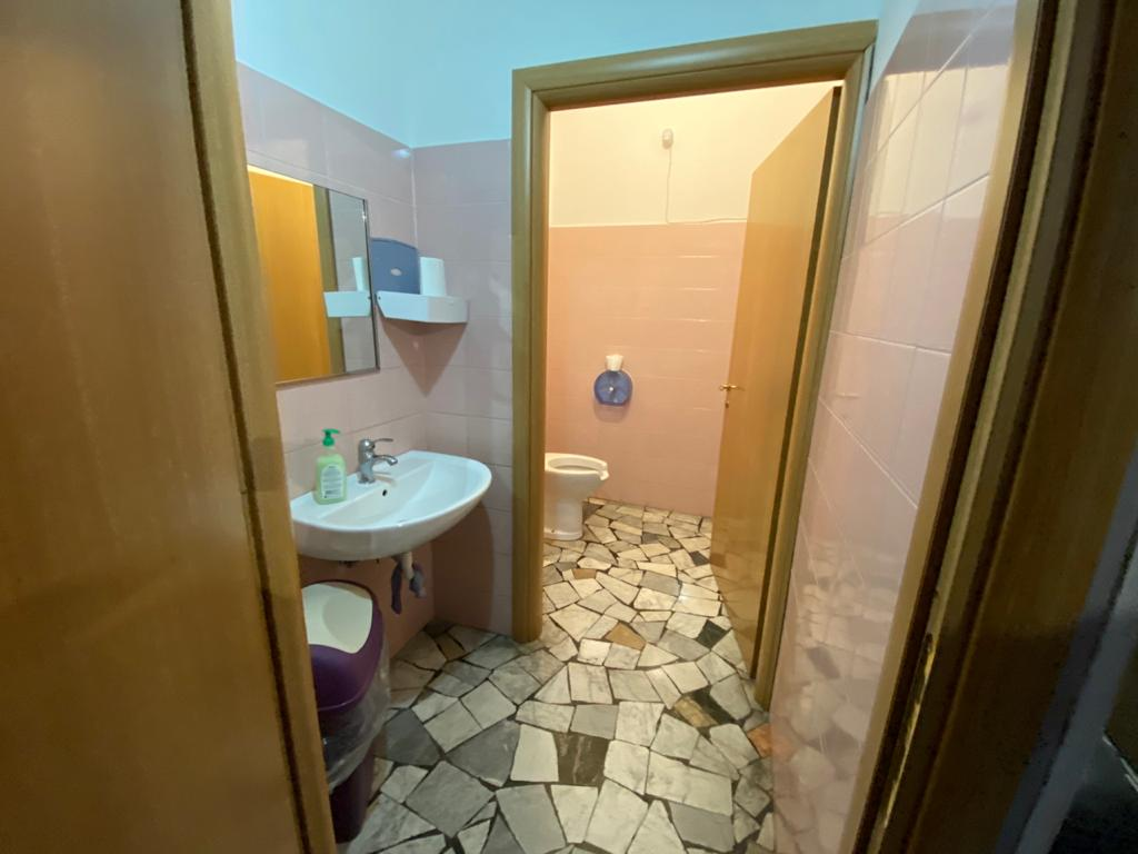 https://www.progettocasa1.it/immagini_immobili/12-10-2020/locale-commerciale-vendita-colleferro-roma-via-giuseppe-di-vittorio-20-471.jpg