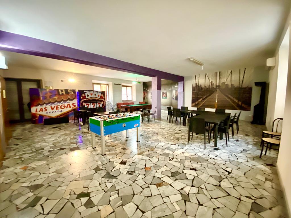 https://www.progettocasa1.it/immagini_immobili/12-10-2020/locale-commerciale-vendita-colleferro-roma-via-giuseppe-di-vittorio-20-589.jpg