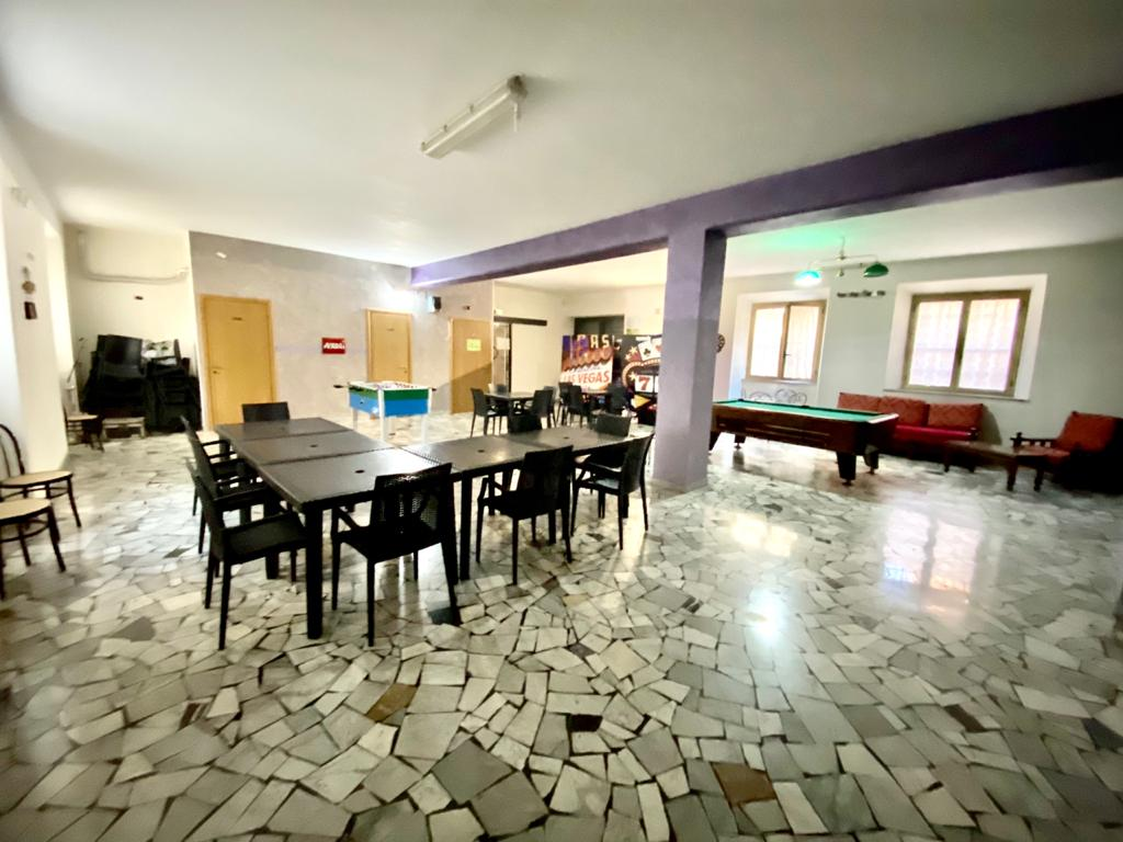 https://www.progettocasa1.it/immagini_immobili/12-10-2020/locale-commerciale-vendita-colleferro-roma-via-giuseppe-di-vittorio-20-591.jpg