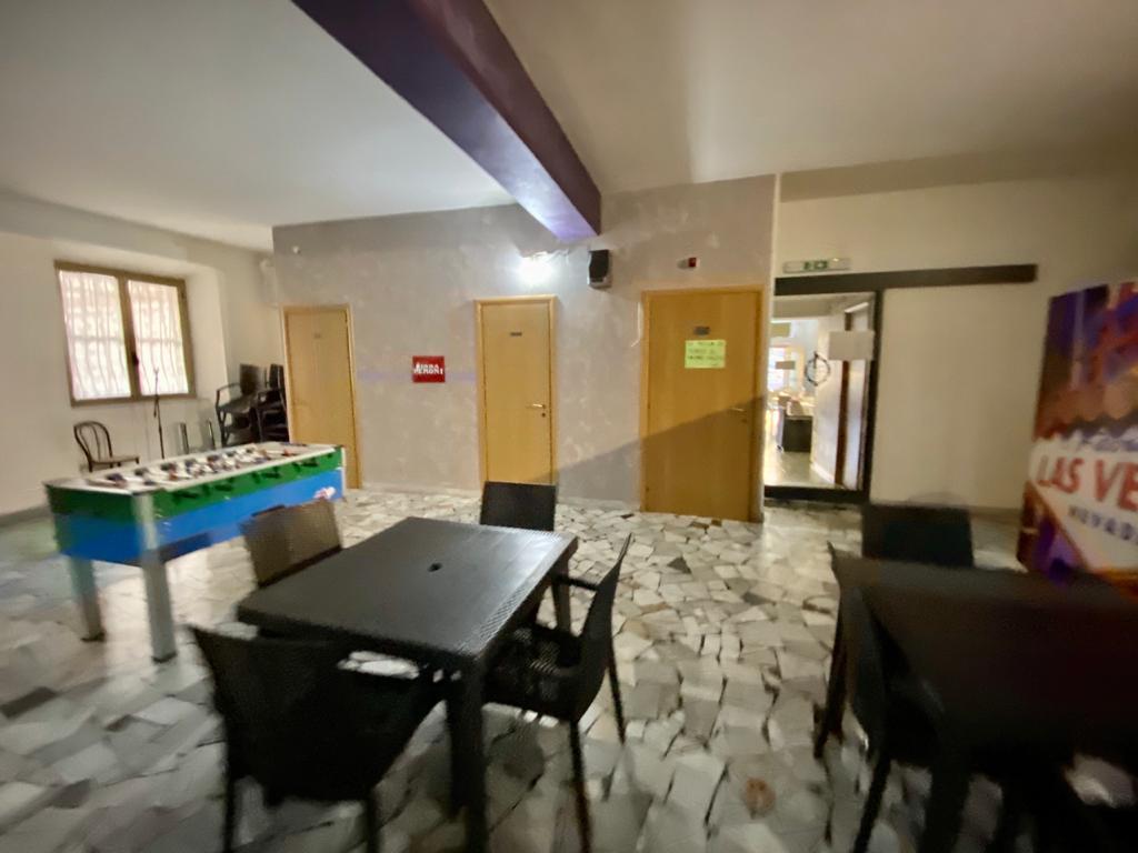 https://www.progettocasa1.it/immagini_immobili/12-10-2020/locale-commerciale-vendita-colleferro-roma-via-giuseppe-di-vittorio-20-770.jpg