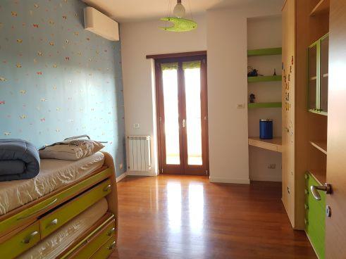 https://www.progettocasa1.it/immagini_immobili/12-11-2020/appartamento-vendita-colleferro-roma-via-latina-100-577.jpg