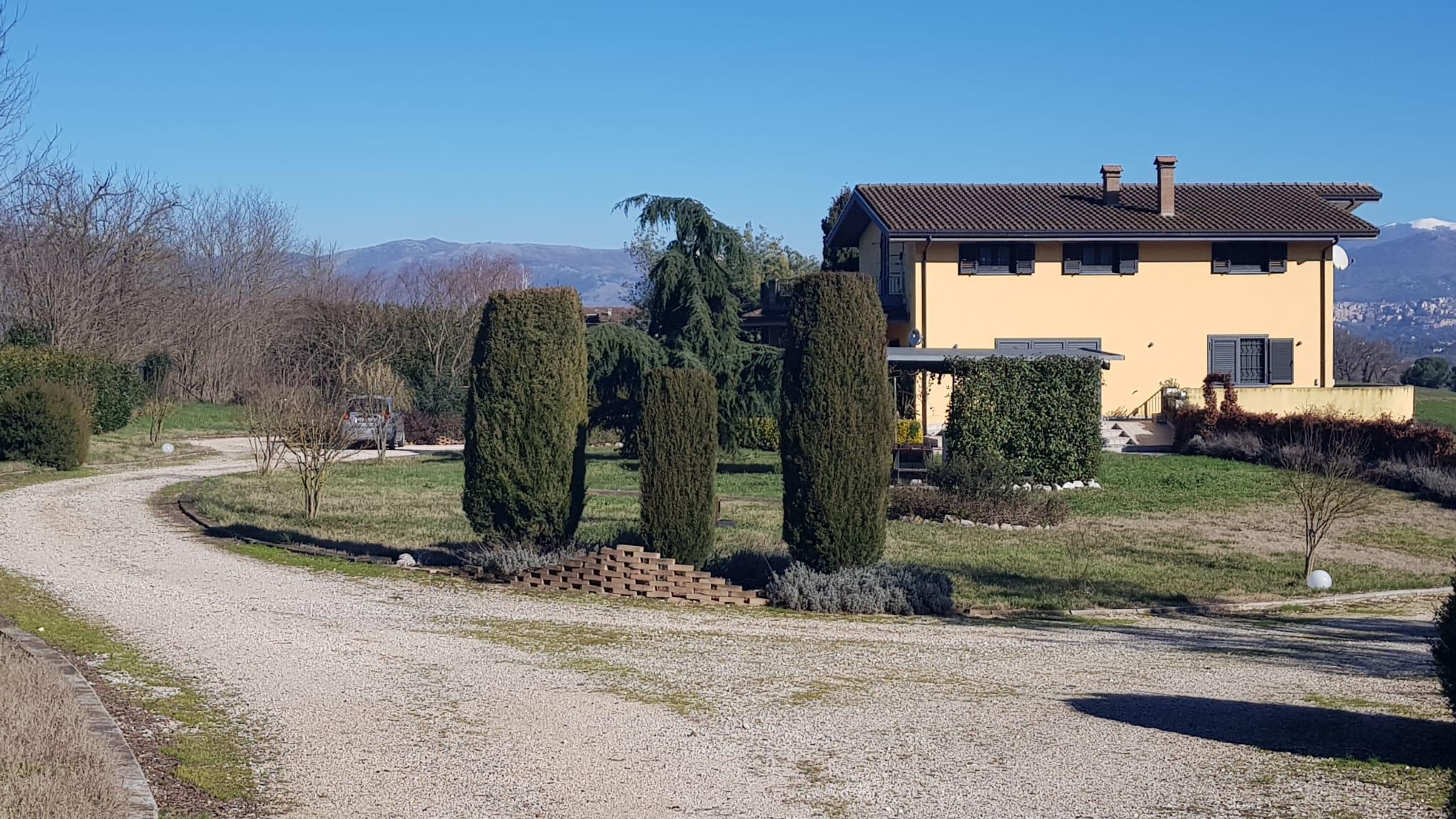 https://www.progettocasa1.it/immagini_immobili/13-01-2021/soluzione-indipendente-vendita-colleferro-roma-colle-carinelli-551.jpg