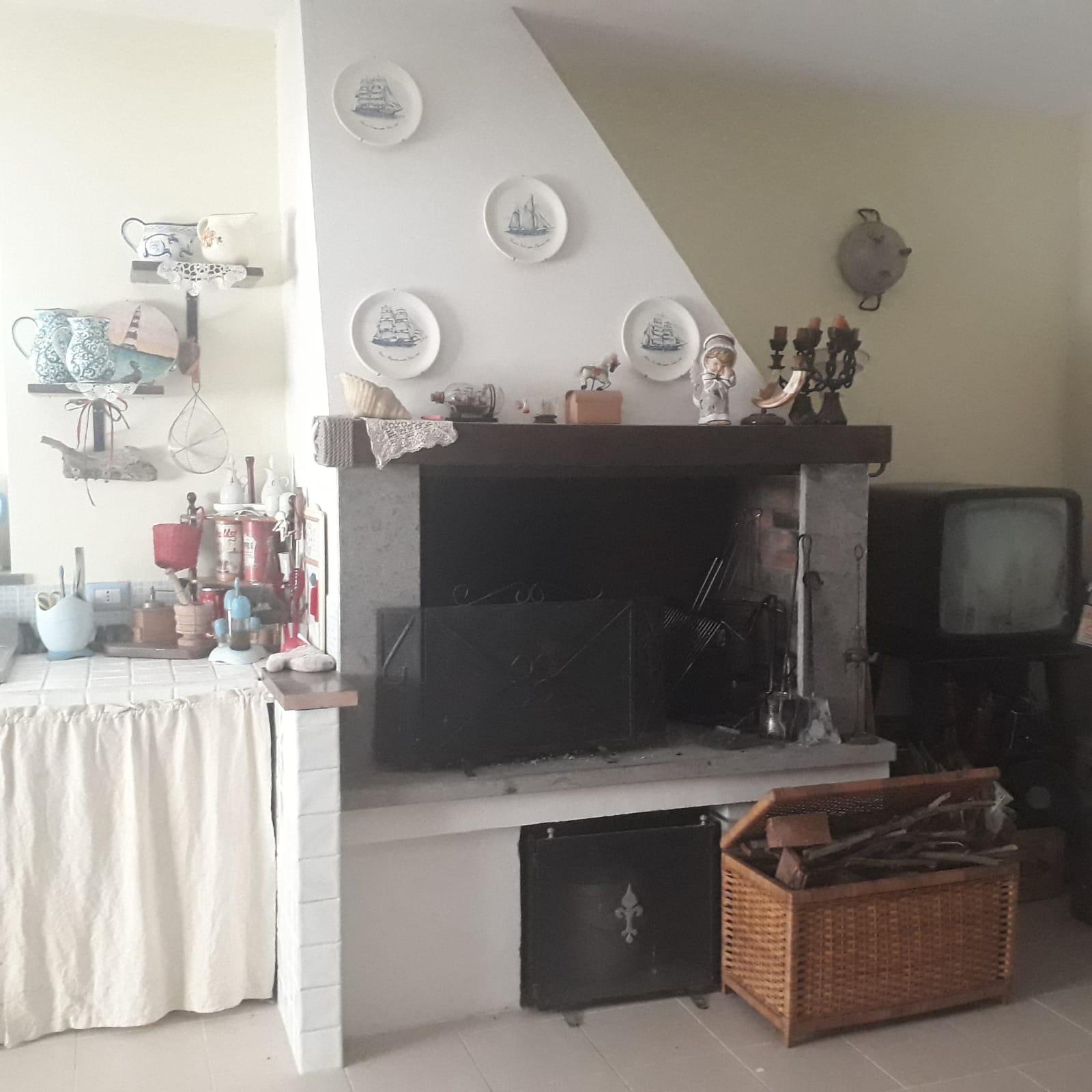 https://www.progettocasa1.it/immagini_immobili/13-01-2021/soluzione-indipendente-vendita-colleferro-roma-colle-carinelli-684.jpg