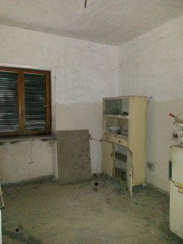 http://www.progettocasa1.it/immagini_immobili/13-04-2017/soluzione-indipendente-vendita-gavignano-roma-localit-san-valentino-177.jpg