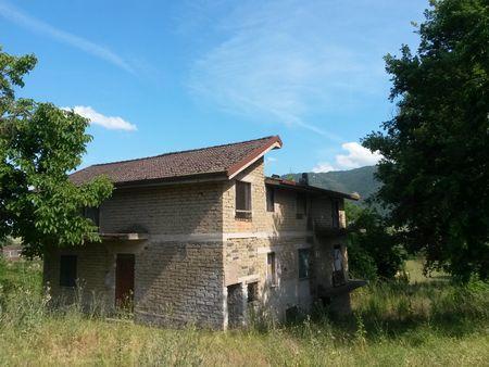 http://www.progettocasa1.it/immagini_immobili/13-04-2017/soluzione-indipendente-vendita-gavignano-roma-localit-san-valentino-241.jpg