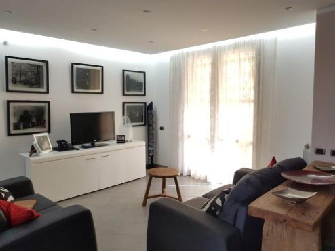 https://www.progettocasa1.it/immagini_immobili/13-06-2019/soluzione-indipendente-vendita-colleferro-roma-via-enrico-toti-5-810.jpg