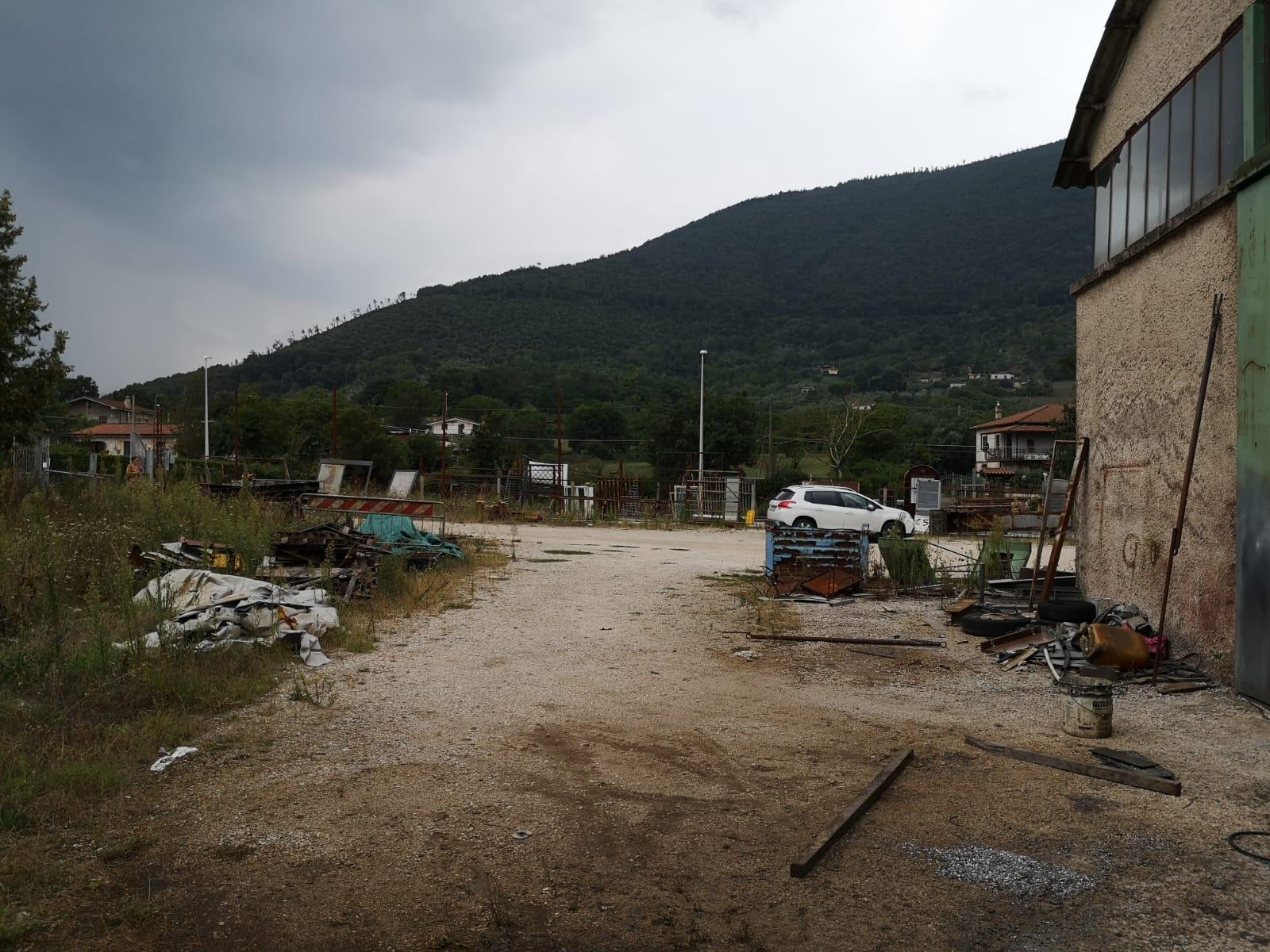 https://www.progettocasa1.it/immagini_immobili/13-09-2019/locale-commerciale-vendita-colleferro-roma-via-carpinetana-est-49-488.jpg