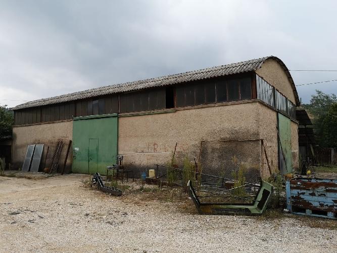 https://www.progettocasa1.it/immagini_immobili/13-09-2019/locale-commerciale-vendita-colleferro-roma-via-carpinetana-est-49-704.jpg