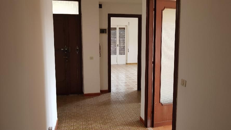 http://www.progettocasa1.it/immagini_immobili/13-11-2017/appartamento-affitto-colleferro-roma-via-carpinetana-sud-4-778.jpg