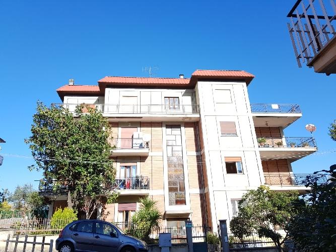 http://www.progettocasa1.it/immagini_immobili/13-11-2017/appartamento-vendita-colleferro-roma-via-della-selva-81-982.jpg
