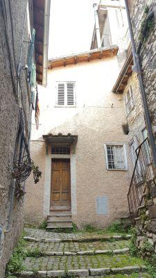http://www.progettocasa1.it/immagini_immobili/14-04-2017/appartamento--segni-roma-via-umberto-i-230.jpg