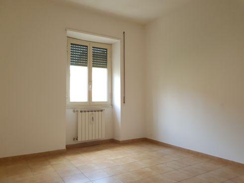https://www.progettocasa1.it/immagini_immobili/14-07-2021/appartamento-vendita-colleferro-roma-via-santa-barbara-5-615.jpg