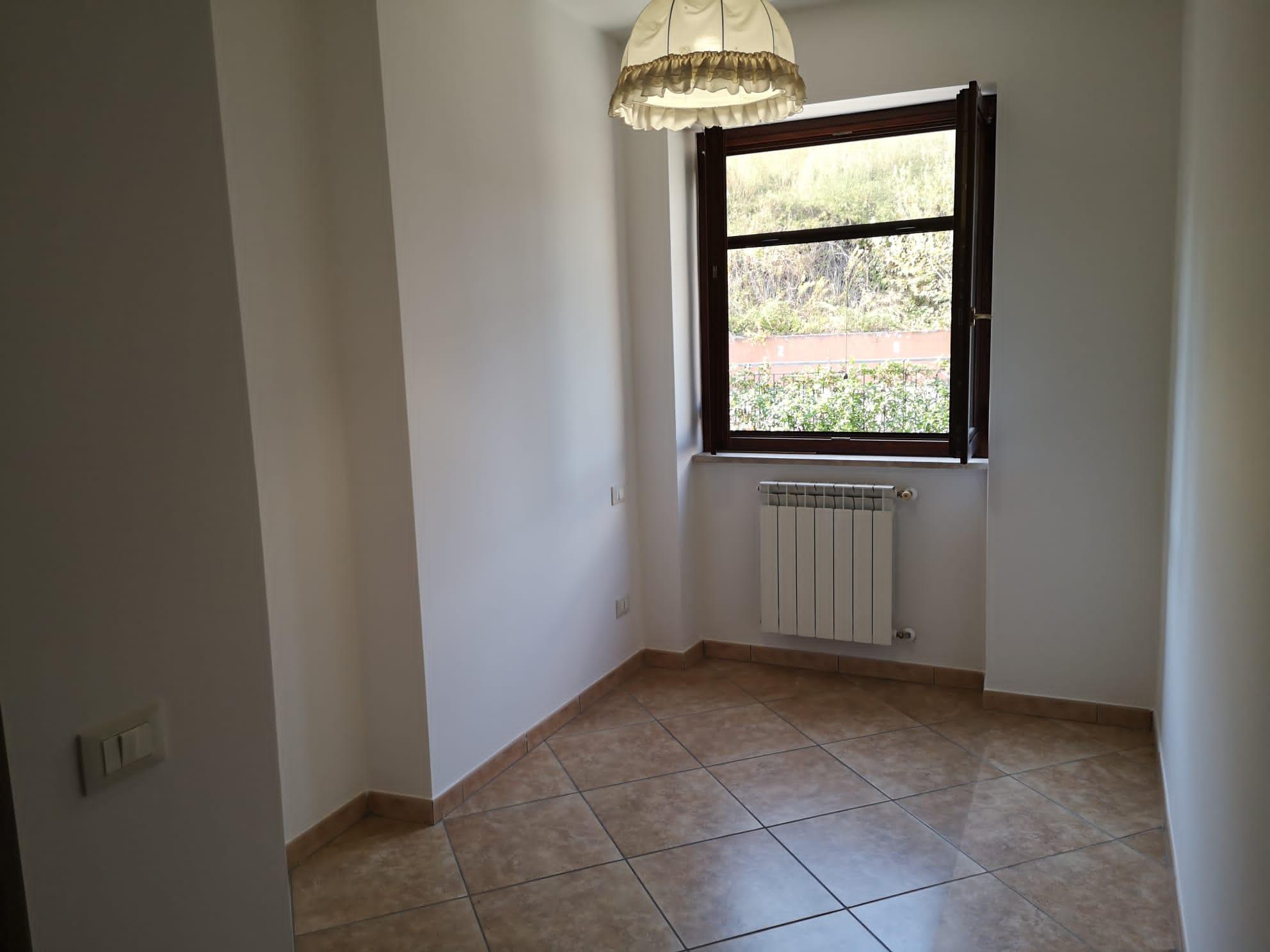 https://www.progettocasa1.it/immagini_immobili/14-09-2020/appartamento-vendita-colleferro-roma-via-oriana-fallaci-674.jpg