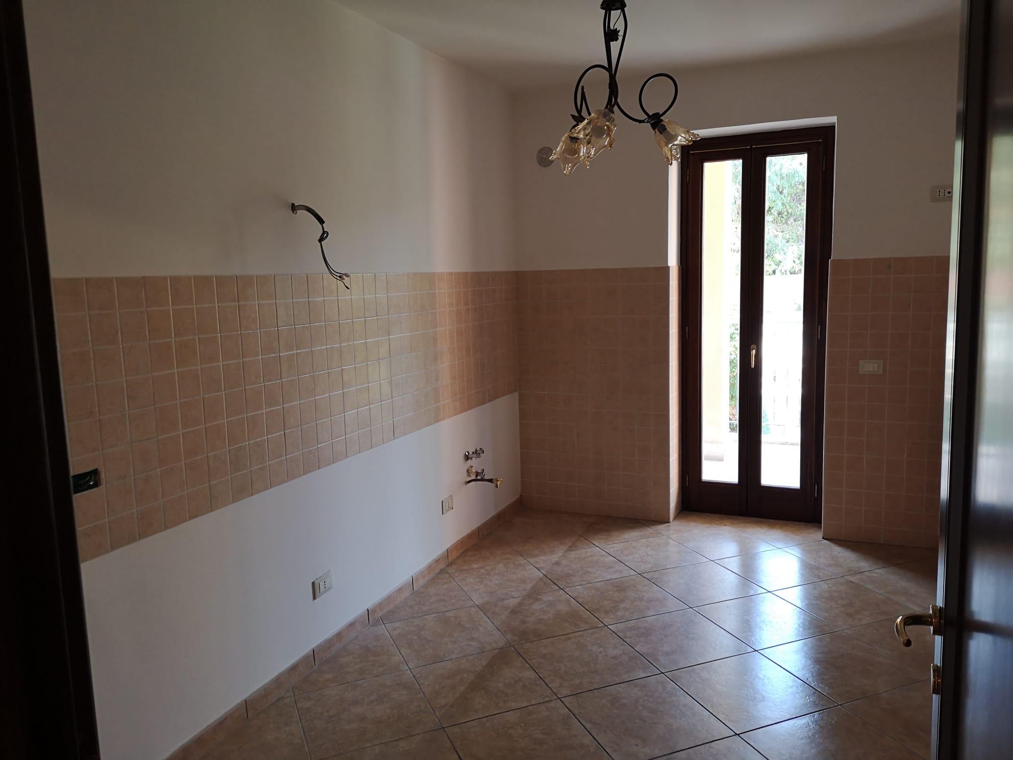 https://www.progettocasa1.it/immagini_immobili/14-09-2020/appartamento-vendita-colleferro-roma-via-oriana-fallaci-686.jpg