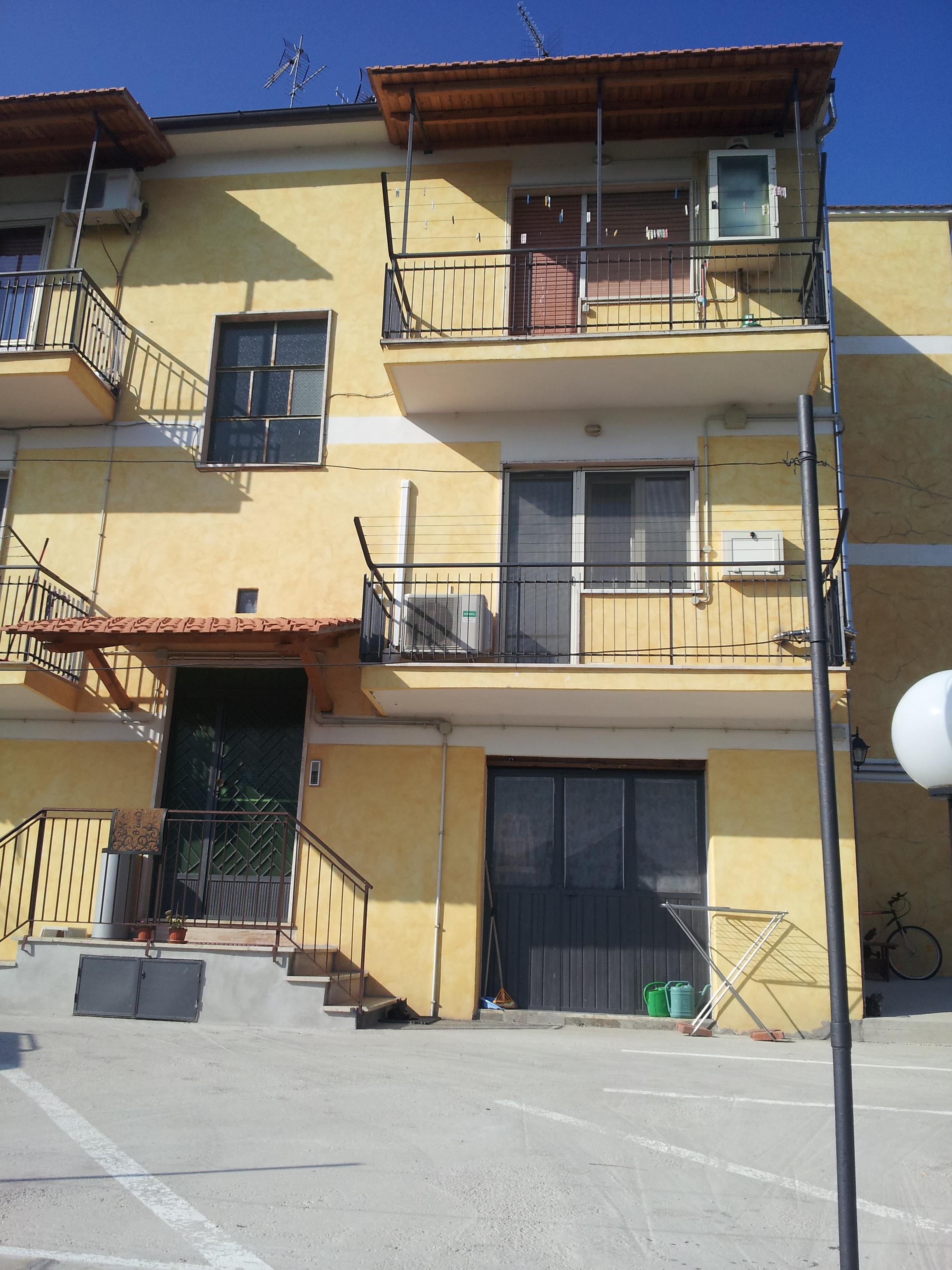 https://www.progettocasa1.it/immagini_immobili/14-10-2019/appartamento-vendita-segni-roma-via-della-mola2-682.jpg