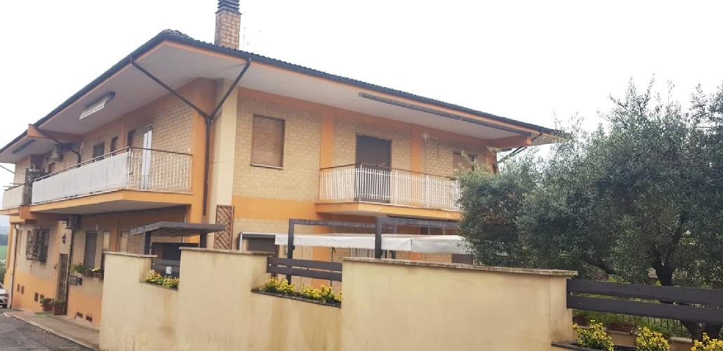 https://www.progettocasa1.it/immagini_immobili/14-11-2019/appartamento-vendita-colleferro-roma-vai-cristoforo-colombo-49-240.jpg