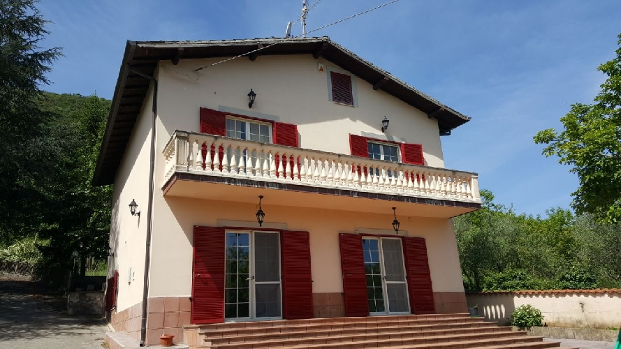 http://www.progettocasa1.it/immagini_immobili/15-05-2017/soluzione-indipendente-vendita-segni-roma-via-carpinetana-ovest-55-382.jpg