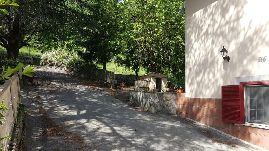 http://www.progettocasa1.it/immagini_immobili/15-05-2017/soluzione-indipendente-vendita-segni-roma-via-carpinetana-ovest-55-665.jpg