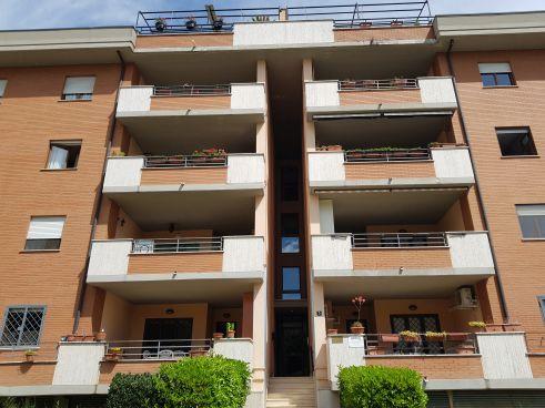 https://www.progettocasa1.it/immagini_immobili/15-05-2020/appartamento-vendita-colleferro-roma-via-oriana-fallaci-5-853.jpg