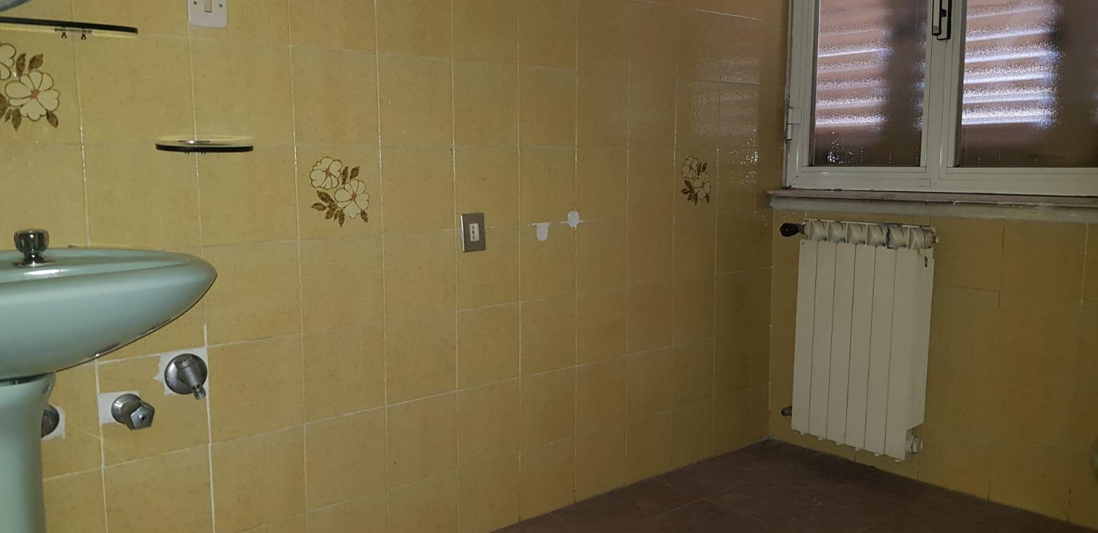 https://www.progettocasa1.it/immagini_immobili/15-11-2019/appartamento-vendita-colleferro-roma-viale-savoia-6-619.jpg