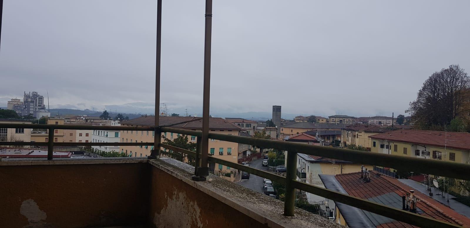 https://www.progettocasa1.it/immagini_immobili/15-11-2019/appartamento-vendita-colleferro-roma-viale-savoia-6-620.jpg