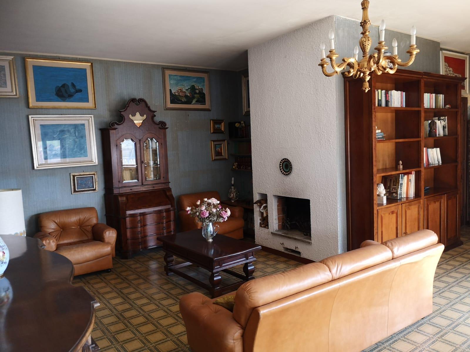 https://www.progettocasa1.it/immagini_immobili/16-04-2021/appartamento-vendita-colleferro-roma-via-latina100-629.jpg