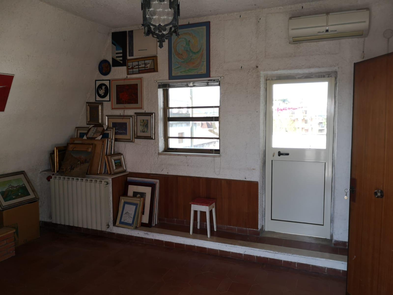 https://www.progettocasa1.it/immagini_immobili/16-04-2021/appartamento-vendita-colleferro-roma-via-latina100-720.jpg
