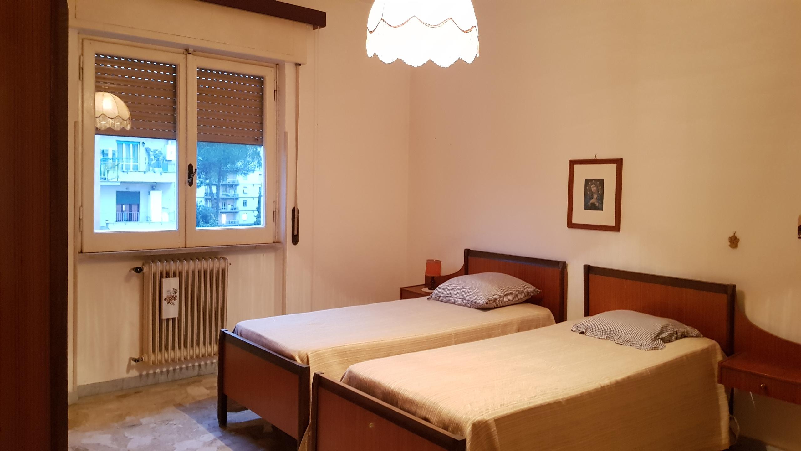 https://www.progettocasa1.it/immagini_immobili/16-05-2018/appartamento-vendita-colleferro-roma-via-giuseppe-di-vittorio-18-160.jpg