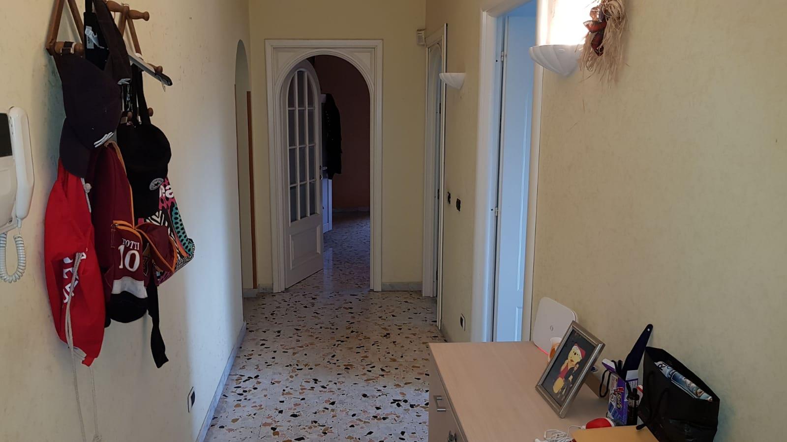 https://www.progettocasa1.it/immagini_immobili/16-10-2018/appartamento-vendita-colleferro-roma-via-latina-144-154.jpg