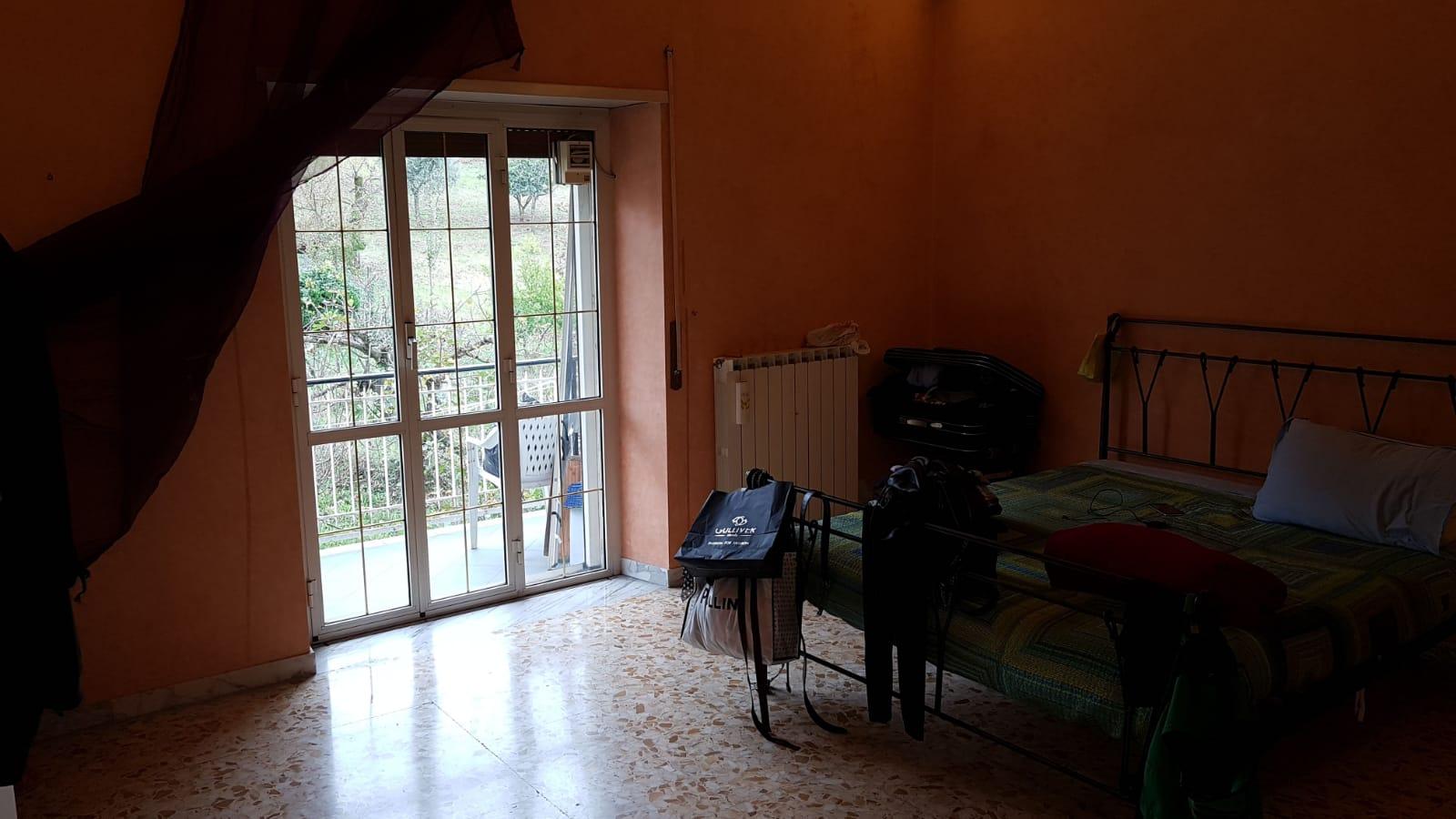 https://www.progettocasa1.it/immagini_immobili/16-10-2018/appartamento-vendita-colleferro-roma-via-latina-144-326.jpg