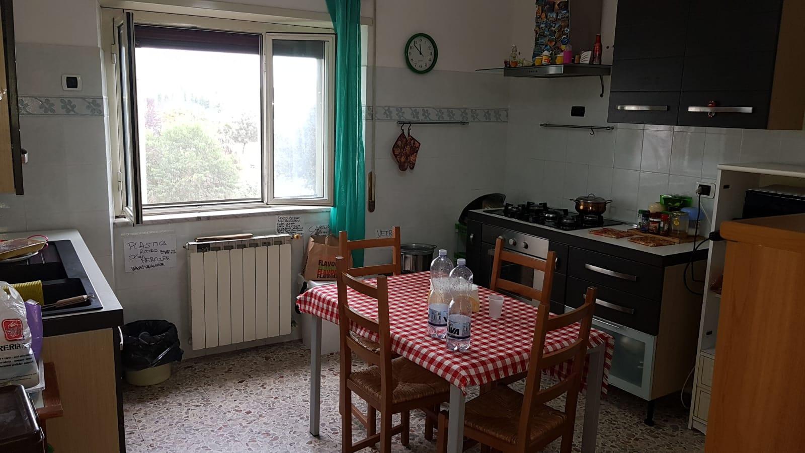 https://www.progettocasa1.it/immagini_immobili/16-10-2018/appartamento-vendita-colleferro-roma-via-latina-144-330.jpg