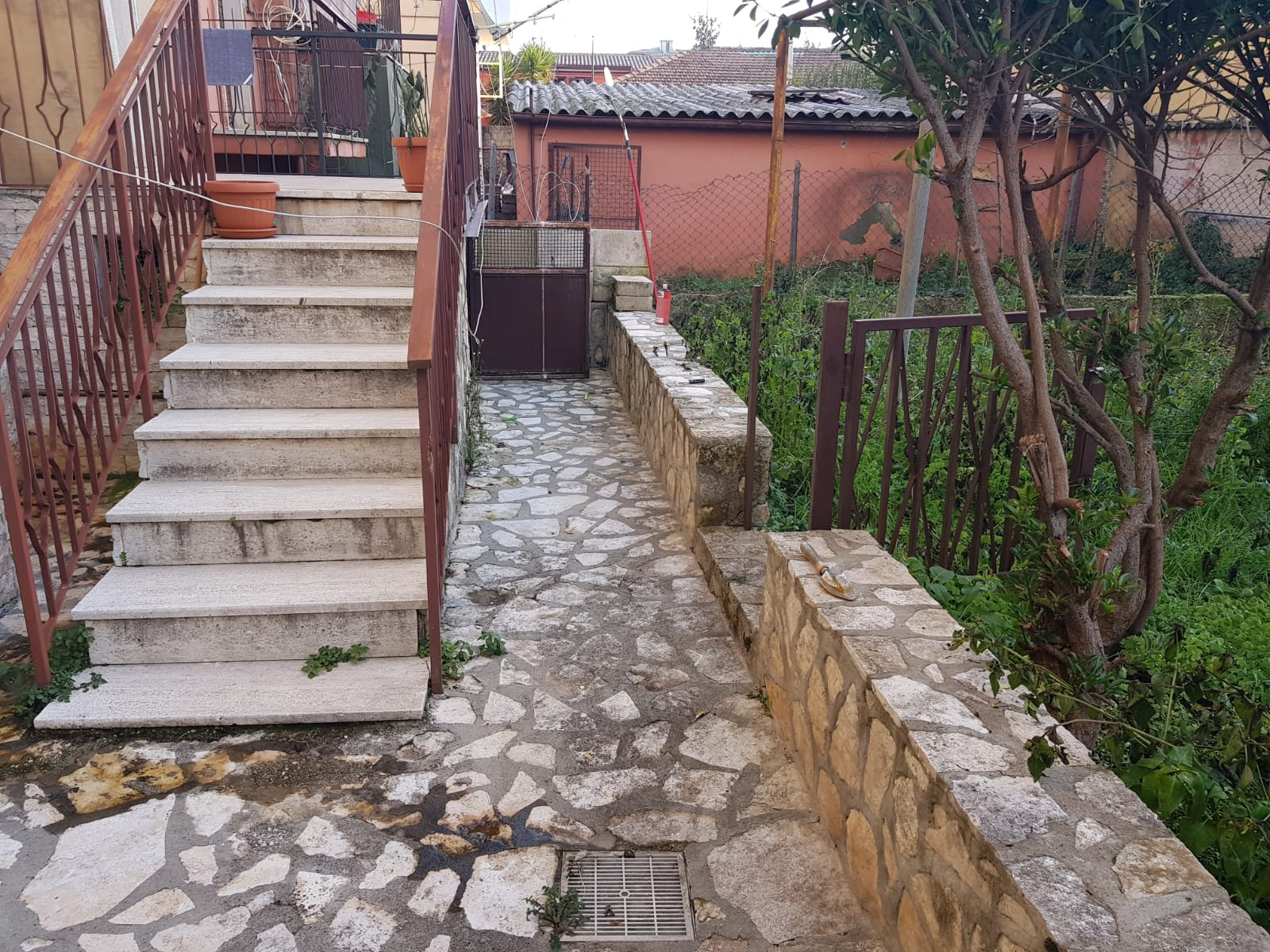 https://www.progettocasa1.it/immagini_immobili/16-12-2019/soluzione-indipendente-vendita-colleferro-roma-via-giuseppe-di-vittorio-329.jpg