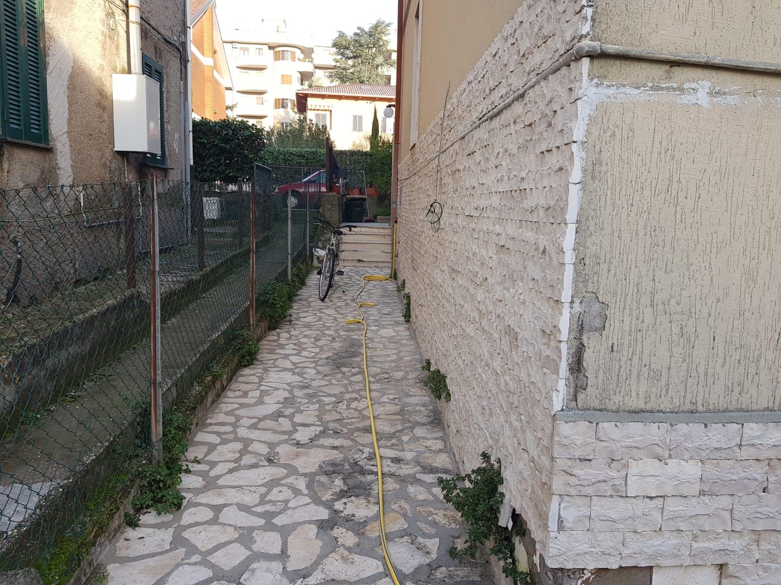 https://www.progettocasa1.it/immagini_immobili/16-12-2019/soluzione-indipendente-vendita-colleferro-roma-via-giuseppe-di-vittorio-461.jpg