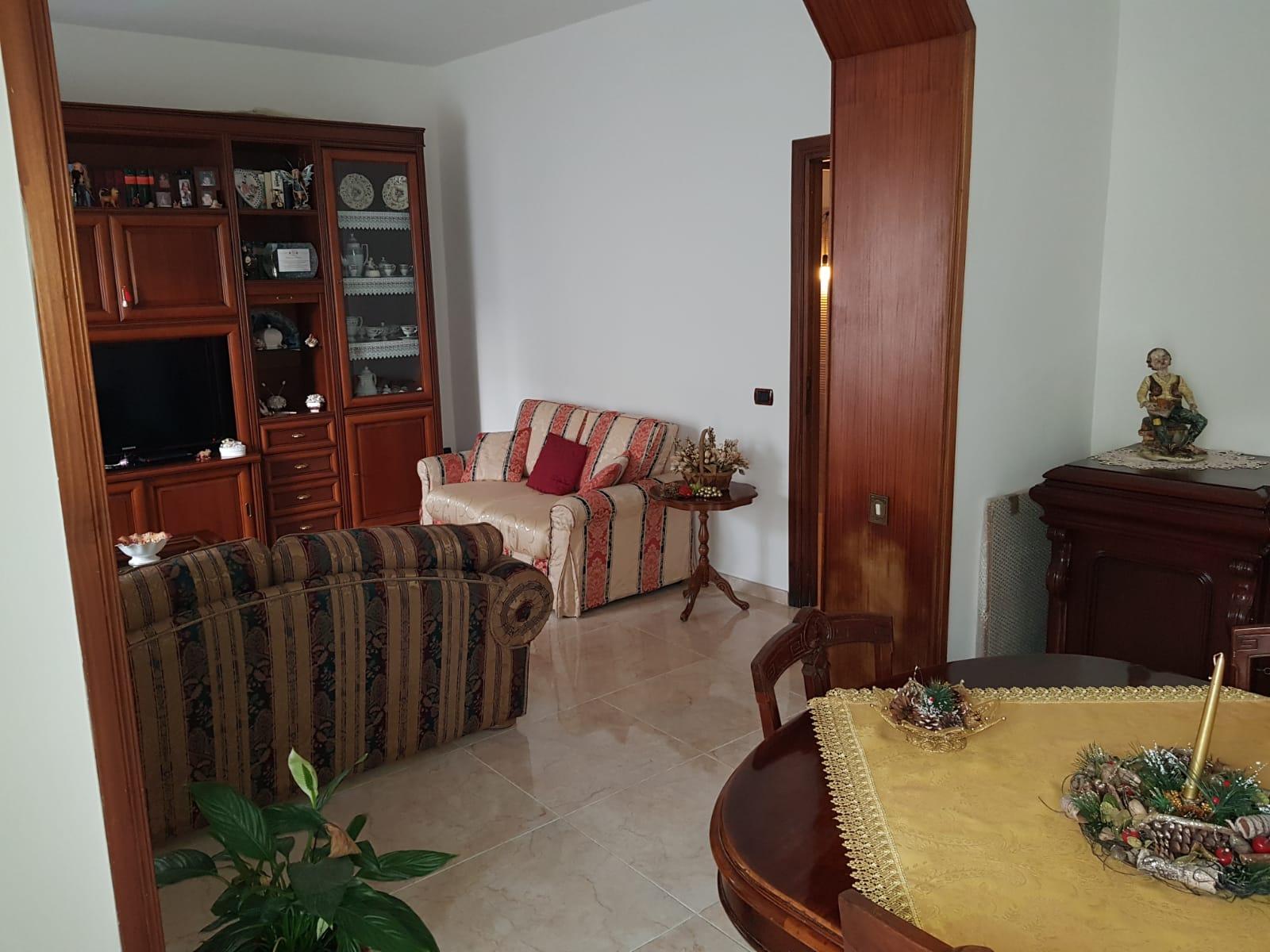 https://www.progettocasa1.it/immagini_immobili/16-12-2019/soluzione-indipendente-vendita-colleferro-roma-via-giuseppe-di-vittorio-649.jpg