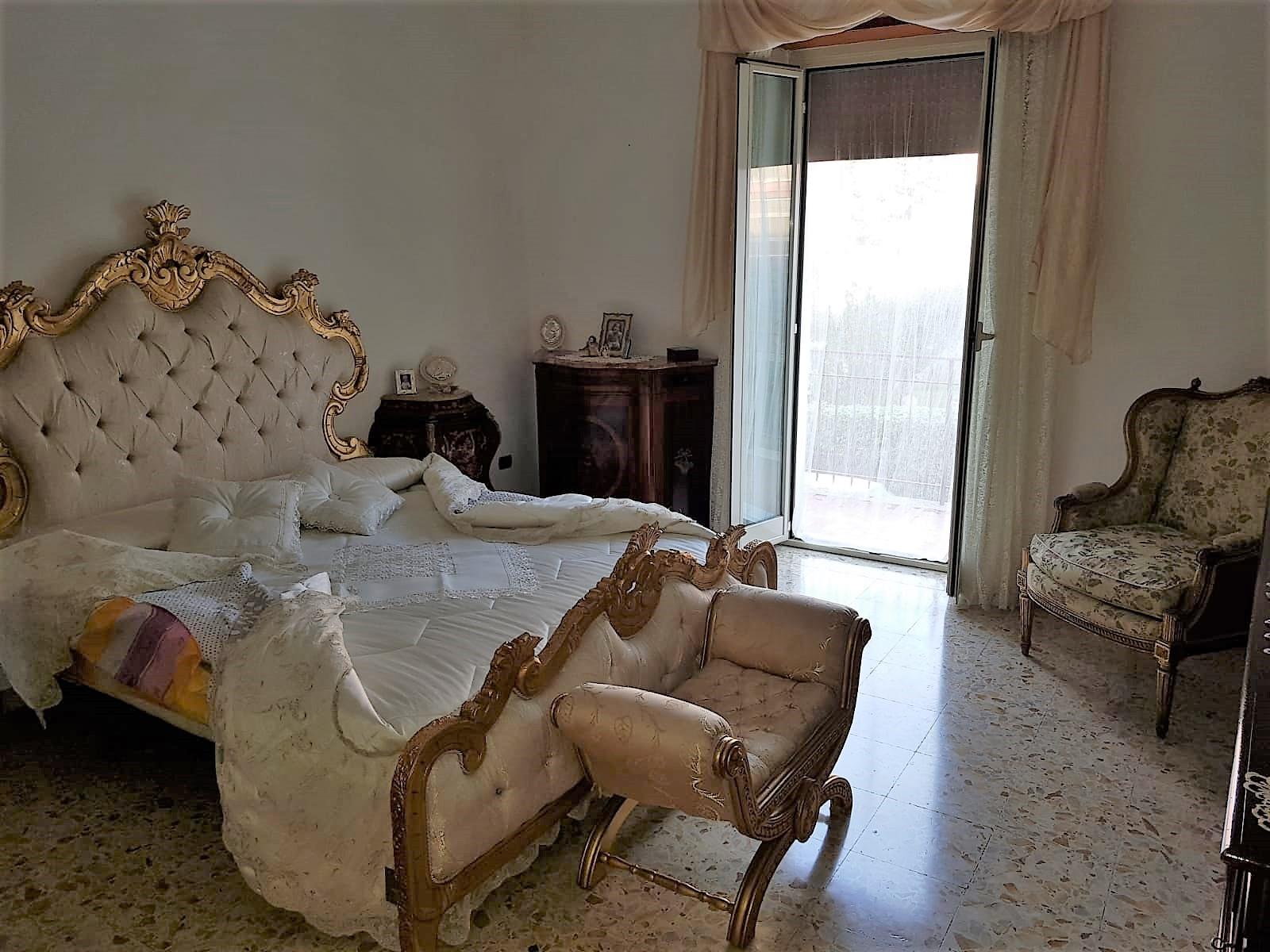 https://www.progettocasa1.it/immagini_immobili/16-12-2019/soluzione-indipendente-vendita-colleferro-roma-via-giuseppe-di-vittorio-651.jpg