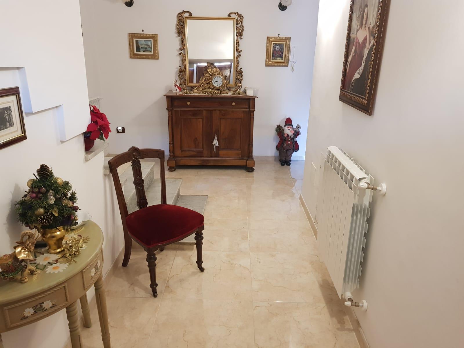 https://www.progettocasa1.it/immagini_immobili/16-12-2019/soluzione-indipendente-vendita-colleferro-roma-via-giuseppe-di-vittorio-652.jpg