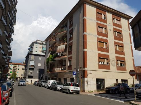 https://www.progettocasa1.it/immagini_immobili/17-06-2021/appartamento-vendita-colleferro-roma-via-martiri-delle-fosse-ardeatine-679.jpg