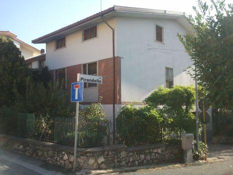 https://www.progettocasa1.it/immagini_immobili/18-04-2017/appartamento-vendita-colleferro-roma-via-giuseppe-di-vittorio-58.jpg