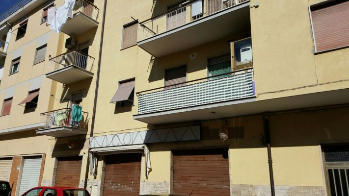 http://www.progettocasa1.it/immagini_immobili/18-04-2017/locale-commerciale-affitto-colleferro-roma-via-giuseppe-di-vittorio-550.jpg