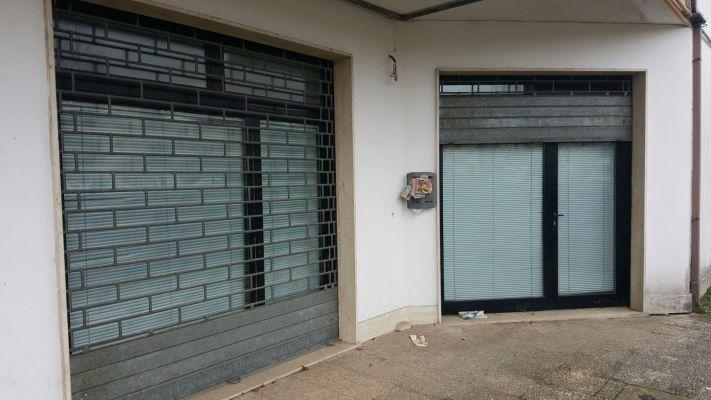 http://www.progettocasa1.it/immagini_immobili/18-04-2017/locale-commerciale-vendita-colleferro-roma-via-berni-191.jpg